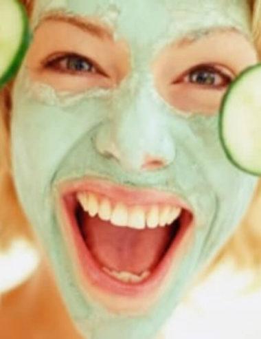Liberati dell'acne con la maschera purificante fatta in casa