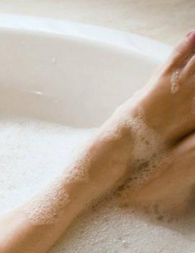 Oli essenziali energizzanti, ecco i migliori per il tuo bagno