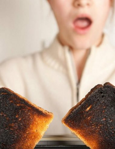 Odore di bruciato in casa? Eliminalo velocemente con gli oli essenziali