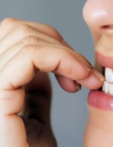 Onicofagia: smetti di mangiarti le unghie con gli oli essenziali