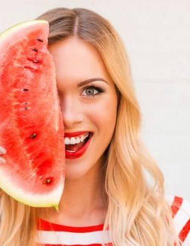 Fatti bella con l'anguria: usala per il trattamento di pelle e capelli