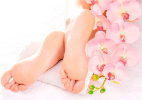 Deo spray piedi, la coccola profumata che dura fino a sera