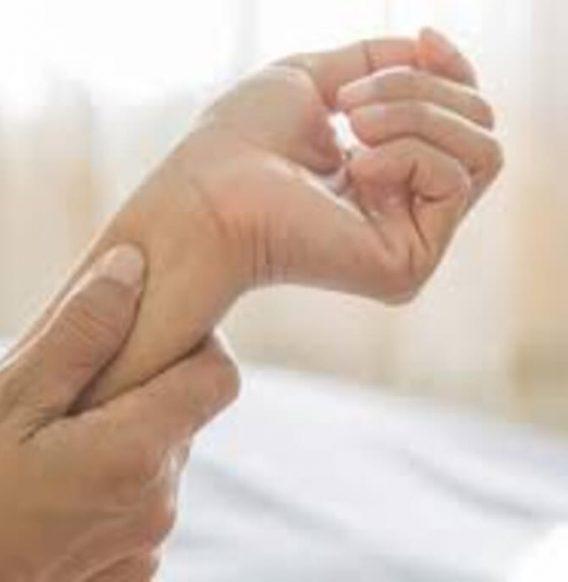 Tendinite: sconfiggila usando gli oli essenziali giusti per il tuo corpo