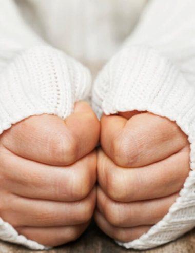 Ragadi delle dita, curale facilmente con i rimedi naturali