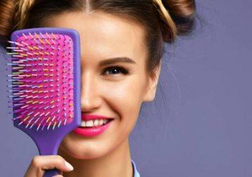 pulizia spazzola per capelli