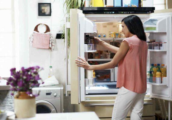 odori sgradevoli frigo