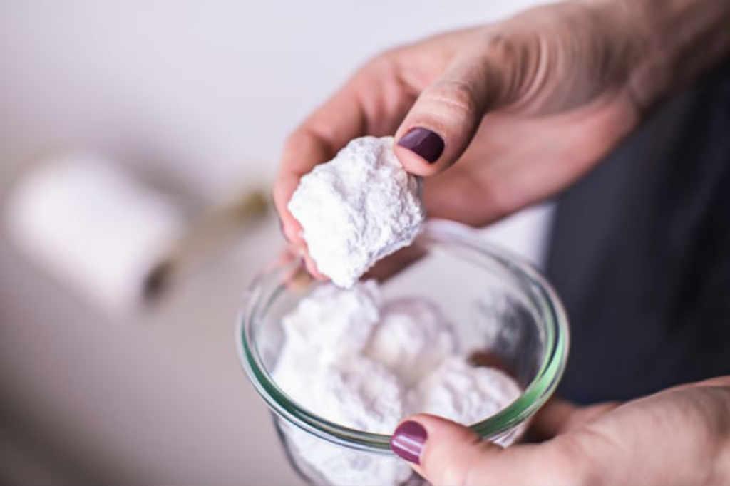 Come eliminare i cattivi odori dal bagno con gli oli - Eliminare gli odori in casa ...