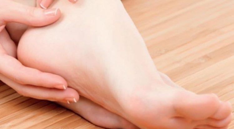 crema nutriente piedi