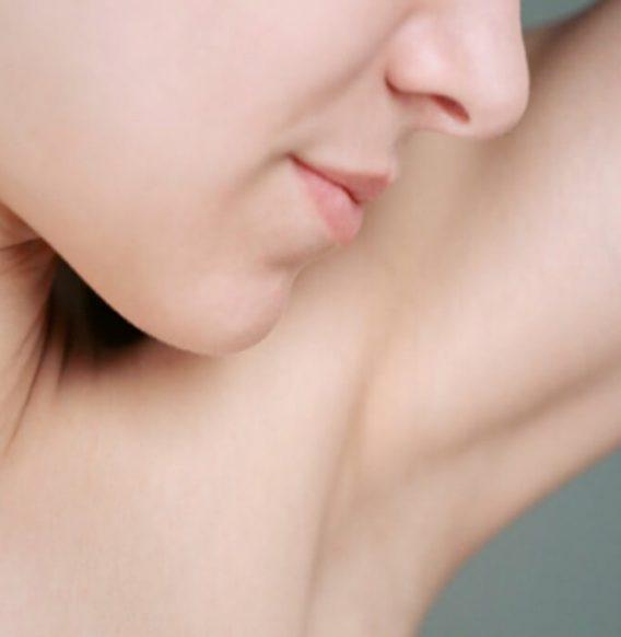 Deodorante spray fai da te per un'estate di freschezza naturale