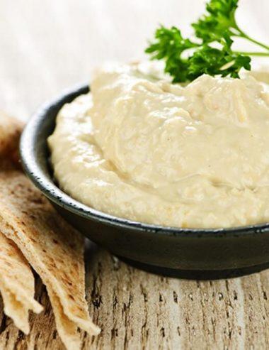 Hummus di ceci, cibo amico per la salute di corpo e mente